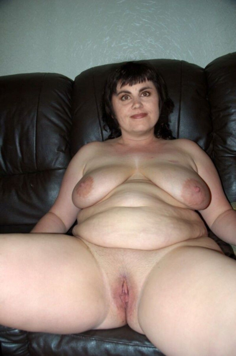 from Leonardo nude shaved fat pussy