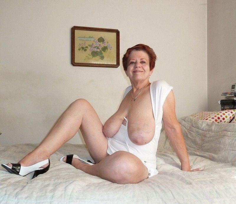 lady sonia sucking dick