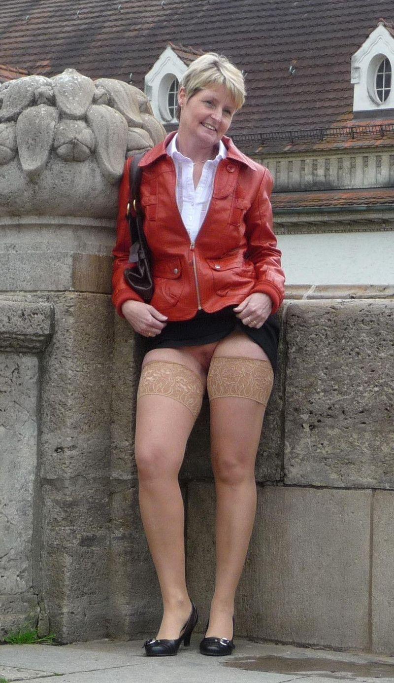 salope lingerie voyeur sous les jupes des filles