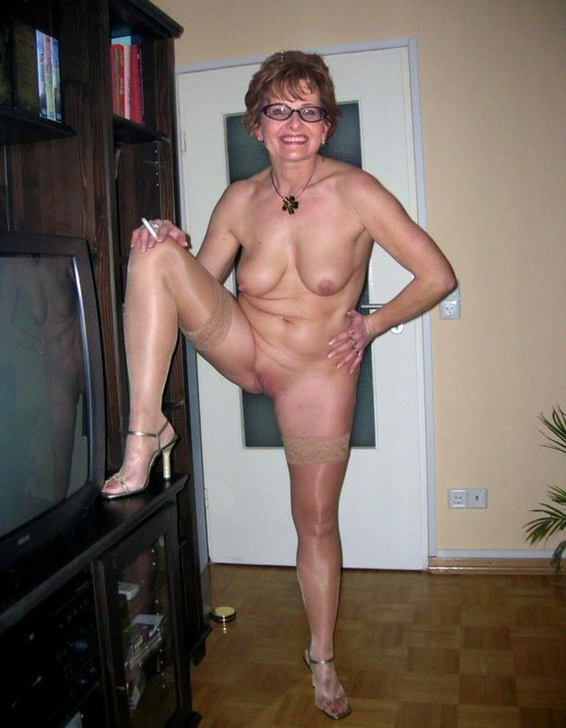 leaves wonder what Mature feet tickling hot, good looking, cute