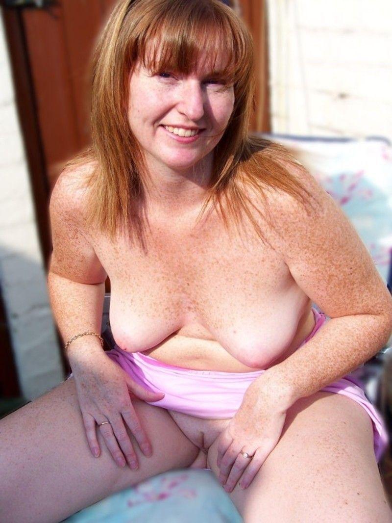 Femme au foyer - 42909 vidos - iWank TV
