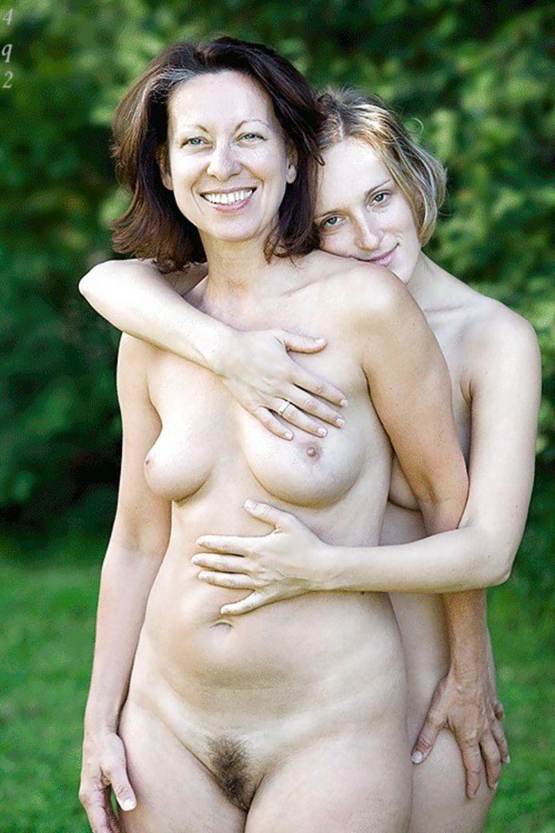 Секс втроем  мама дочь и парень дочери  Лучшие порно