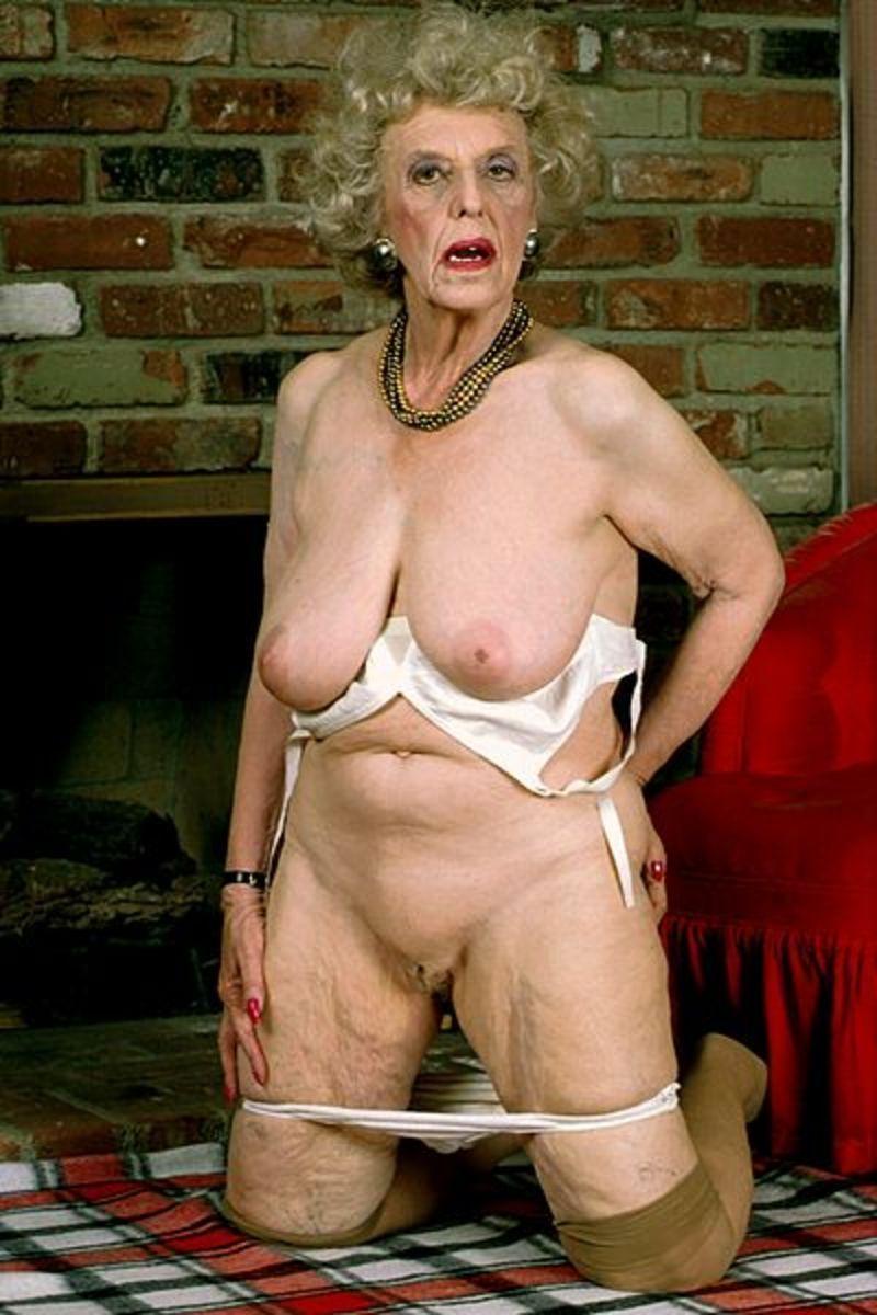 Бесплатно голые бабушки