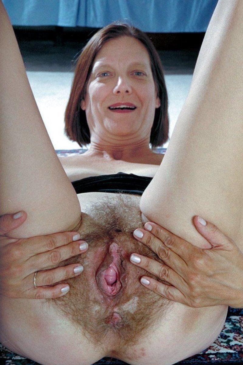 lecher le clitoris je montre mon trou