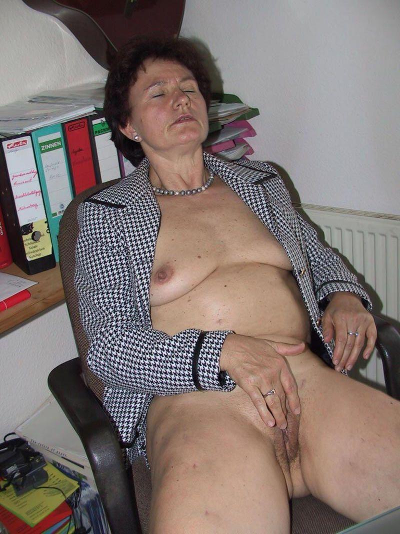 Old ladies extreme vulva die alte wildsau - 5 3