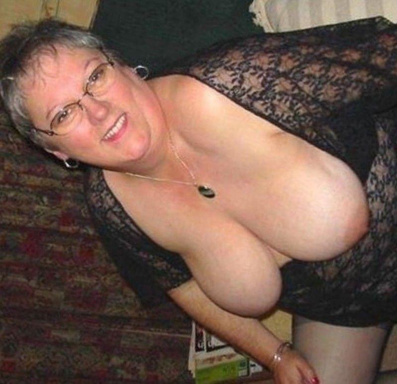 salope dans un sex shop site de rencontre cum fr