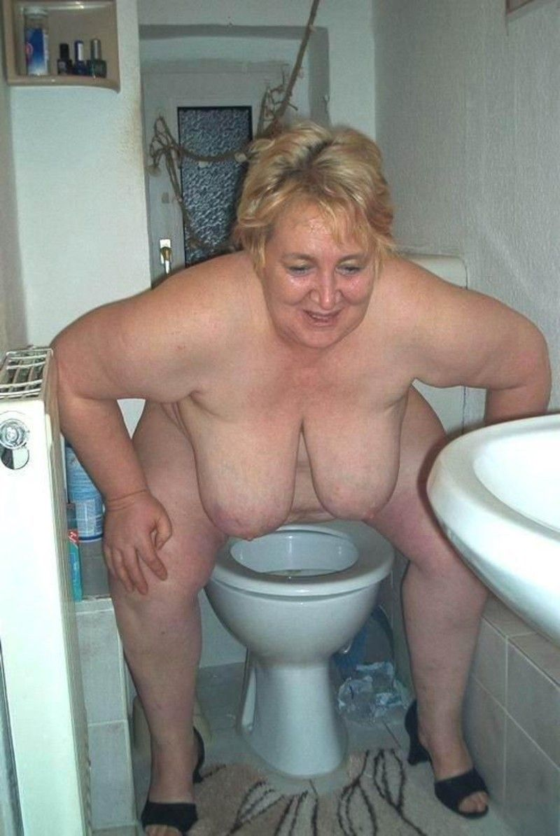 Bbw Toilet 54