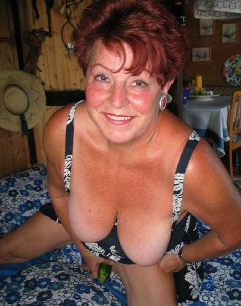 vieille au gros sein amatrice salope photo