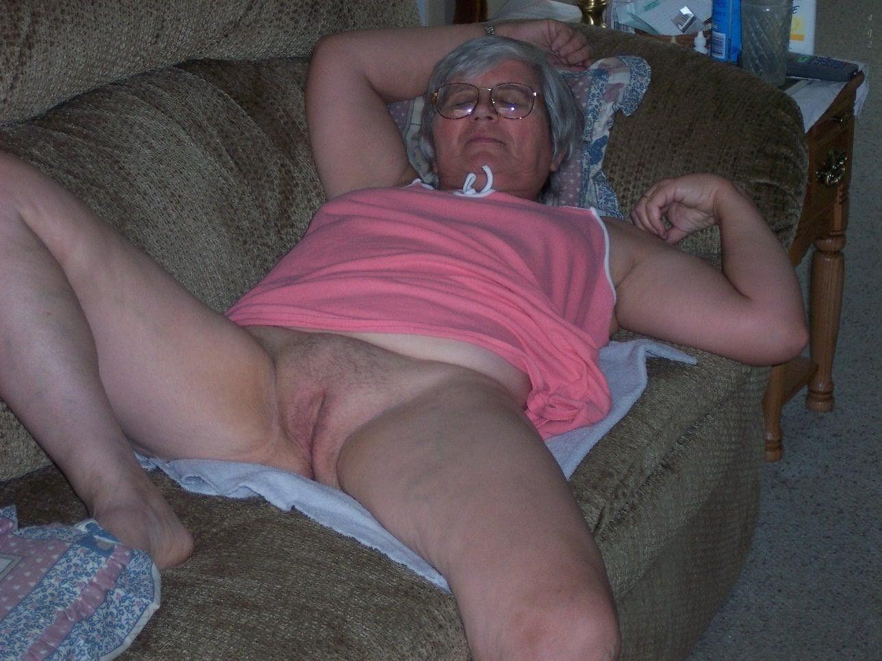 Mamie baise comme une pute sur Videos Sexe de Vieilles