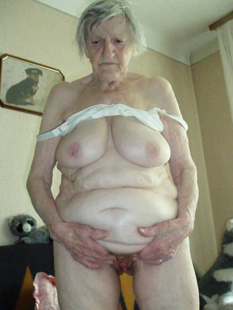 того темнокожие самые старые ожившие груди пенсионерок ванной, парень